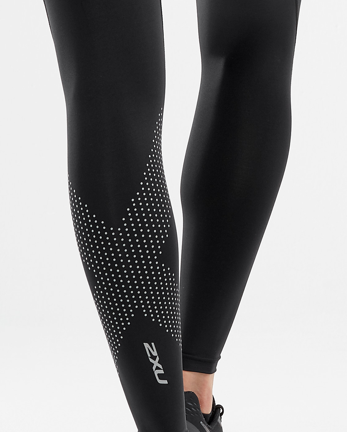 2XU Women's Mid-Rise Compression Tight - Black/Dotted Reflective Logo