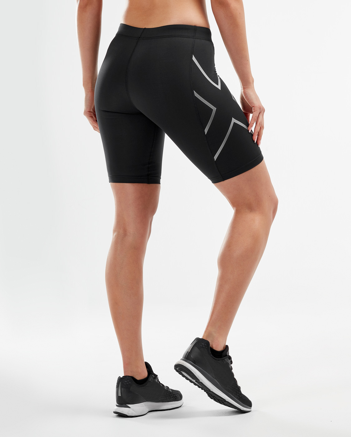 2XU Women's Compression Short - Black/Silver